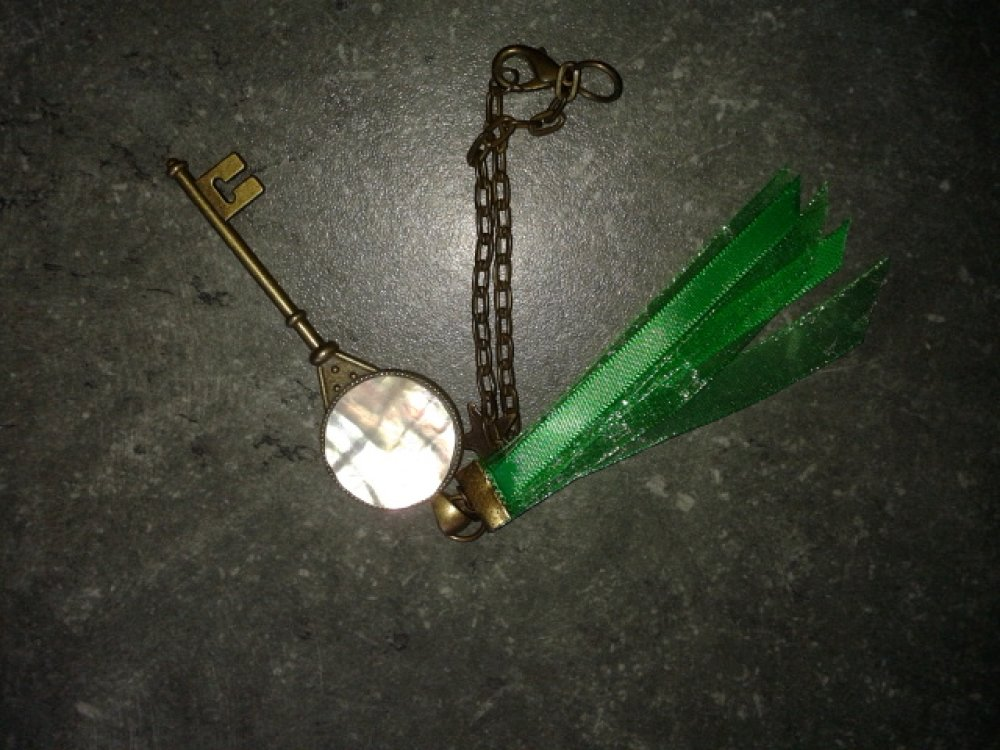 Porte clef NACRE NORMANDE support bronze