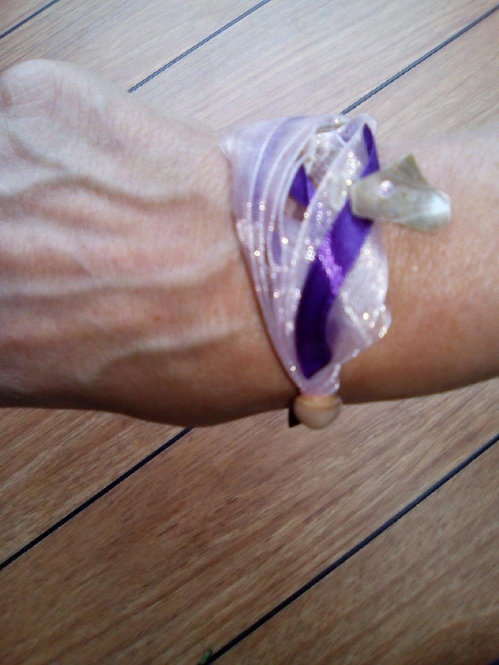 Bracelet NACRES sur rubans satin et organza
