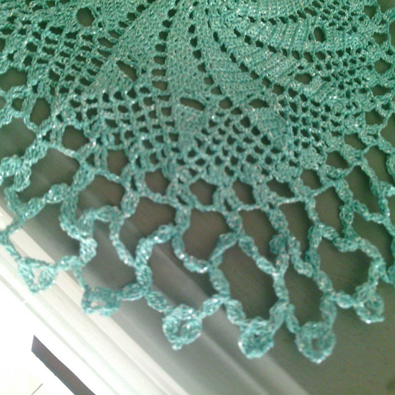 deux napperons crochet turquoise lurex