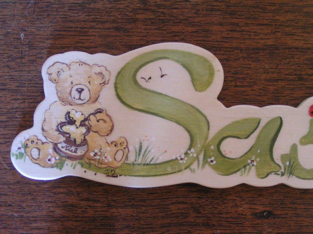 """Plaque de porte prénom en bois  tons  verts et petit écureuil...."""""""