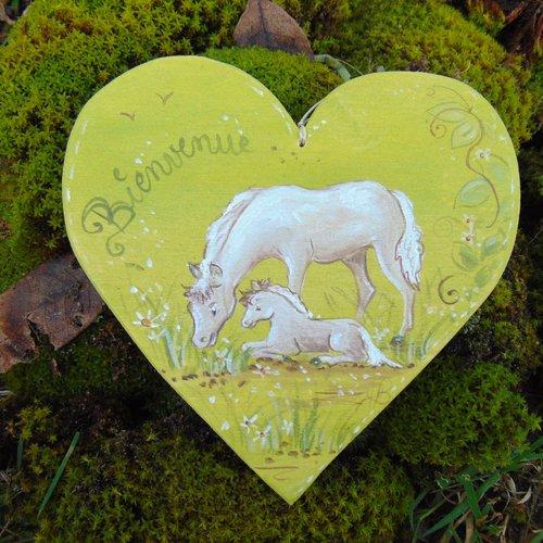 plaque de porte coeur en bois  peuplier *chevaux * bienvenue *fond vert *peint à la main*peinture naturelle à la caséine