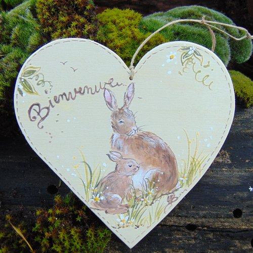 plaque de porte coeur en bois  peuplier *lapins * bienvenue *fond bois naturel *peint à la main*peinture naturelle à la caséine
