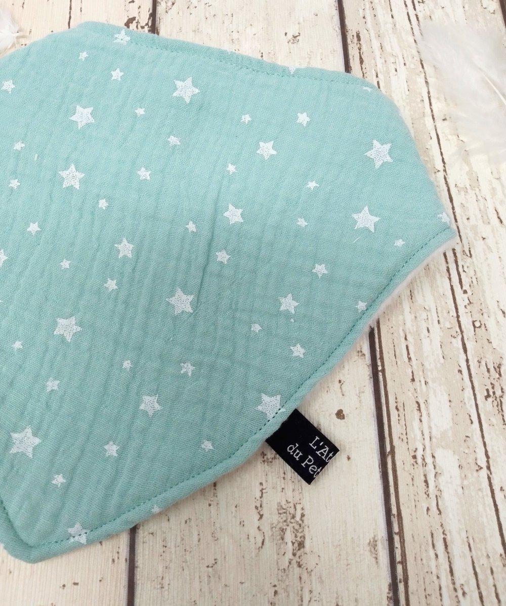 Bandana anti-bavouille vert d'eau étoiles / lange de coton