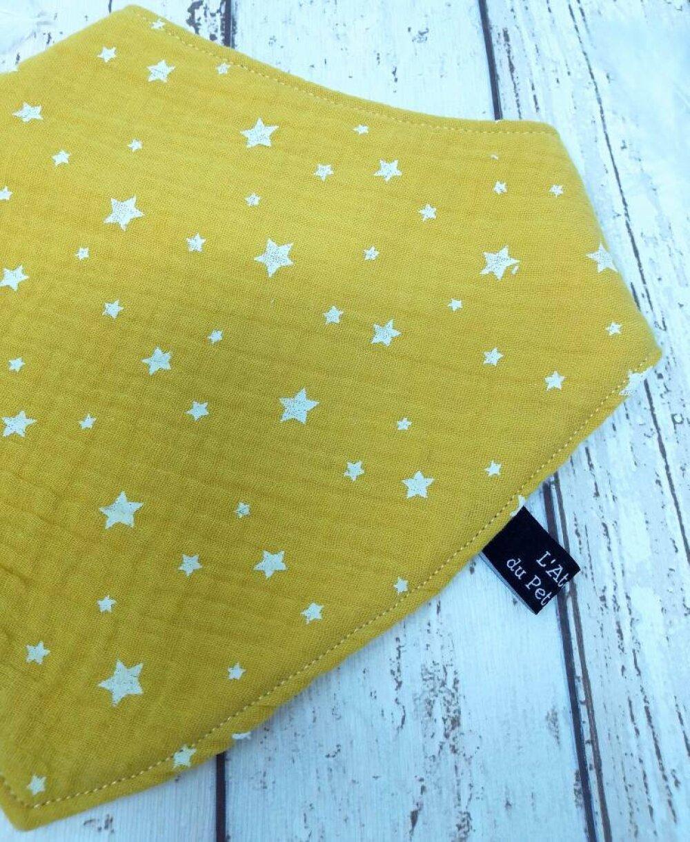 Bandana anti-bavouille jaune moutarde étoiles - poussée dentaire - bébé bave