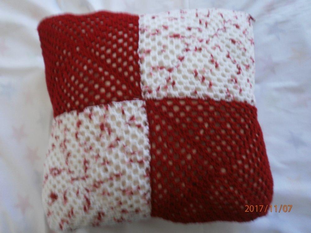 housse de coussin 40 x 40 cm rouge et blanc moucheté rouge déhoussable