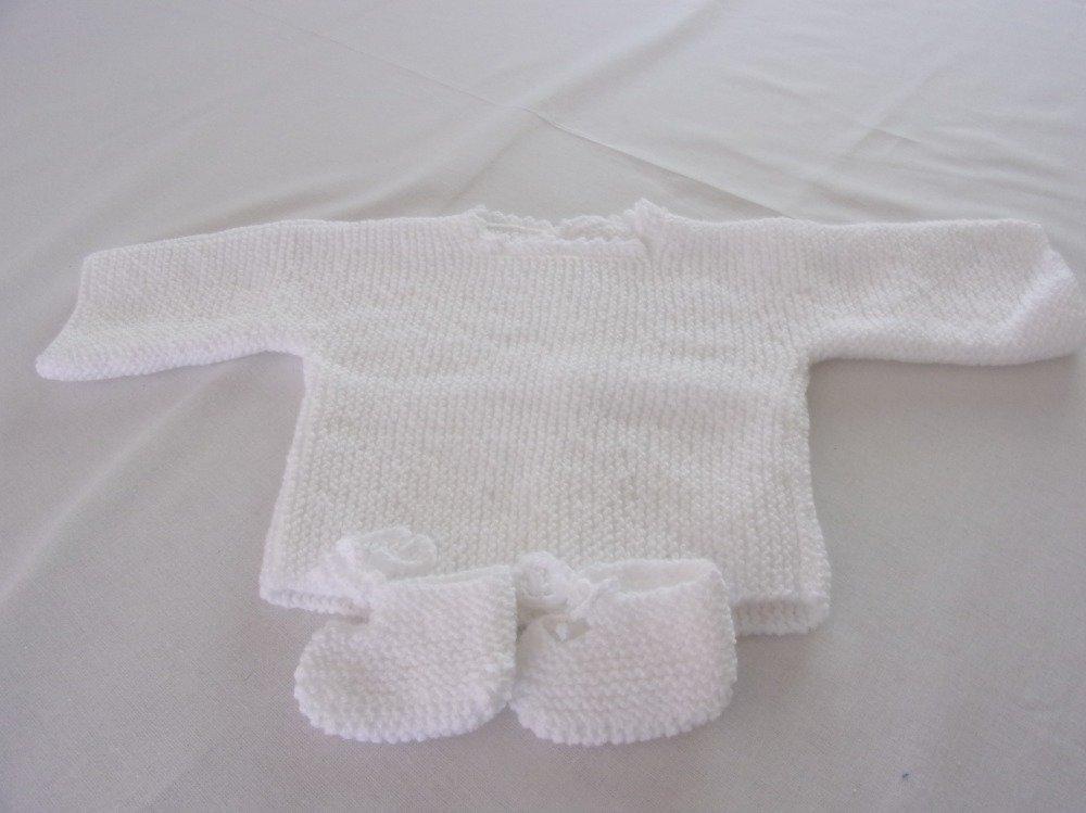 brassière et chaussons blanc 3 mois