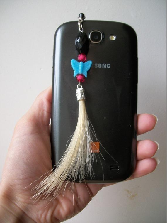 Bijou de téléphone portable en crin, à clipser dans la prise Jack