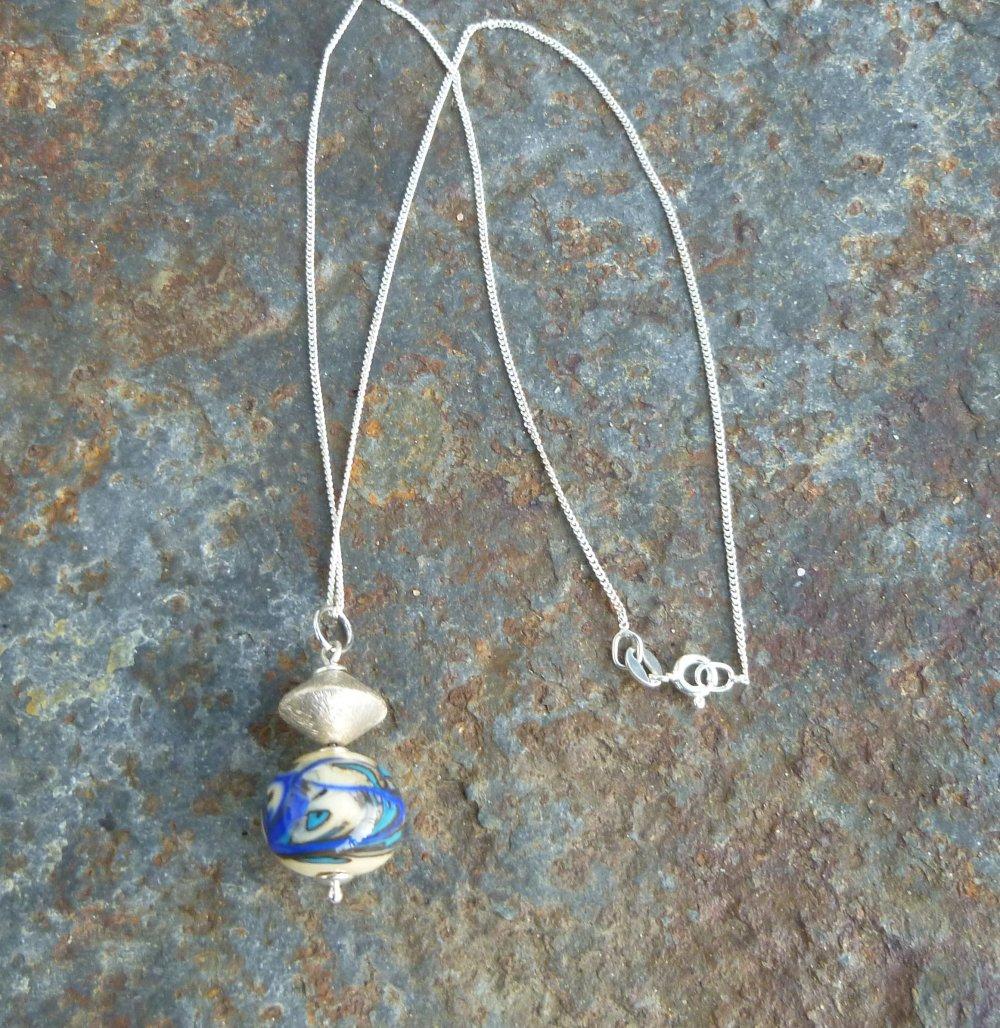 Collier chaine Argent 925 avec pendentif artisanal perle au chalumeau et Argent massif