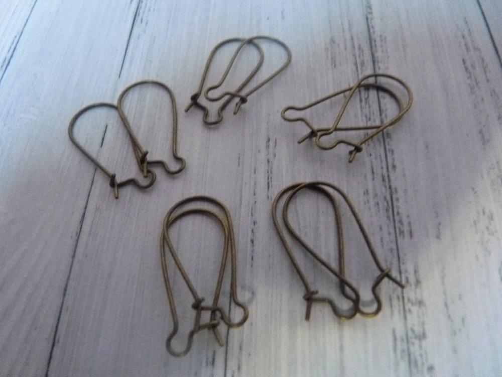 10 Boucles d'oreilles crochet