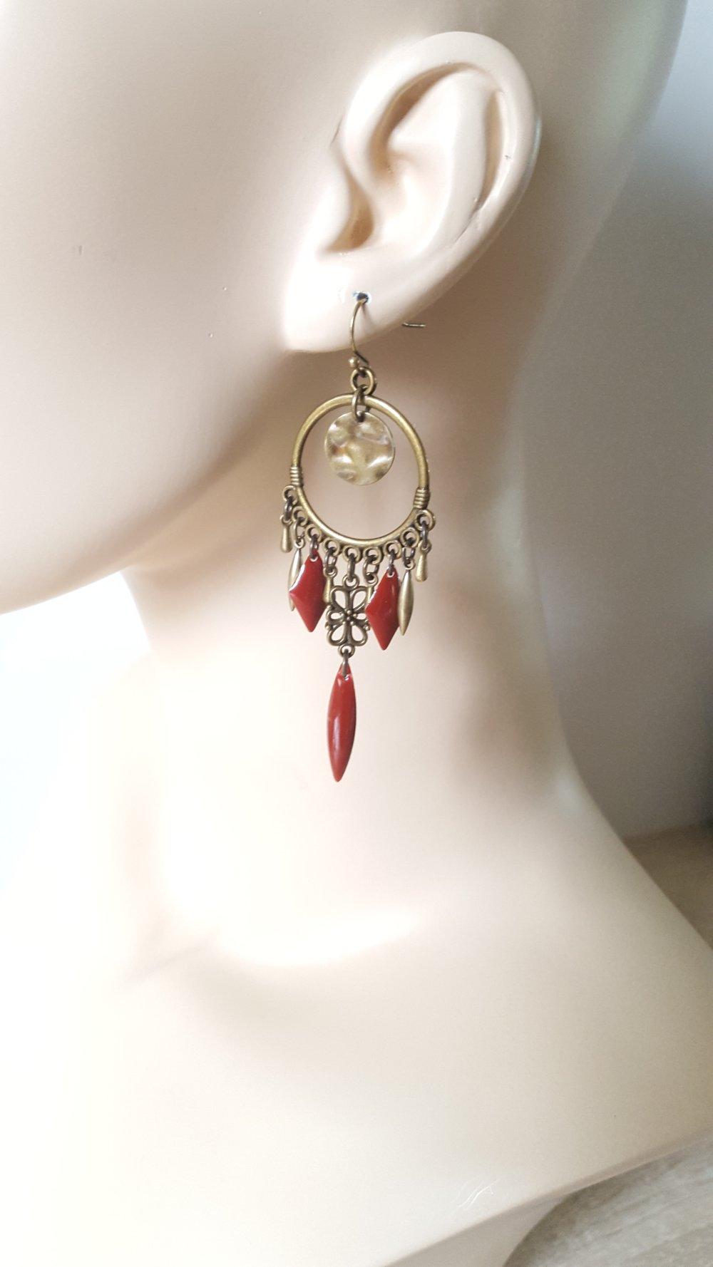 Longues boucles d'oreilles rouges et bronze style bohème