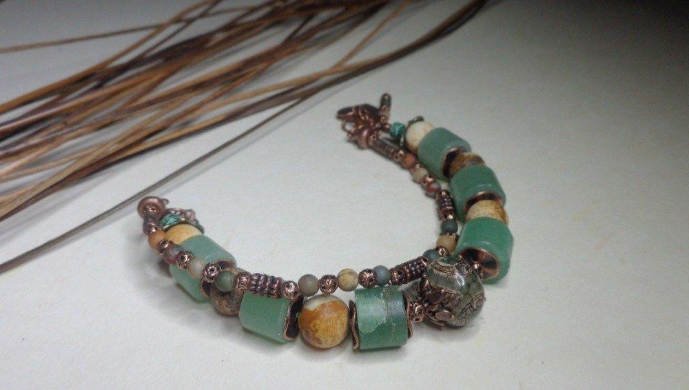 Bracelet bohème/rustique/ethnique vert et ocre en pierres fines