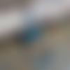 Boucles d'oreille bleu ciel, boho chic, cuivre émaillé et perles au chalumeau, longues, fines, légères, headpins, blanc