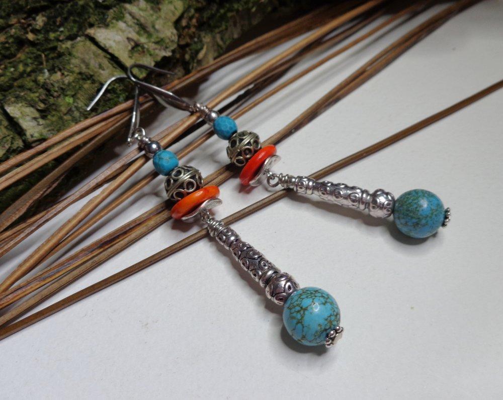 Longues boucles d'oreille ethniques chic, bohèmes, turquoise, perles marocaines, howlite, bleu et orange, printemps/été