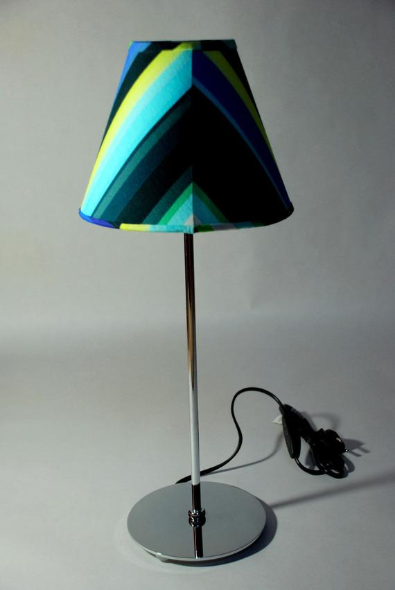 lampe  abat jour conique rayures bleu