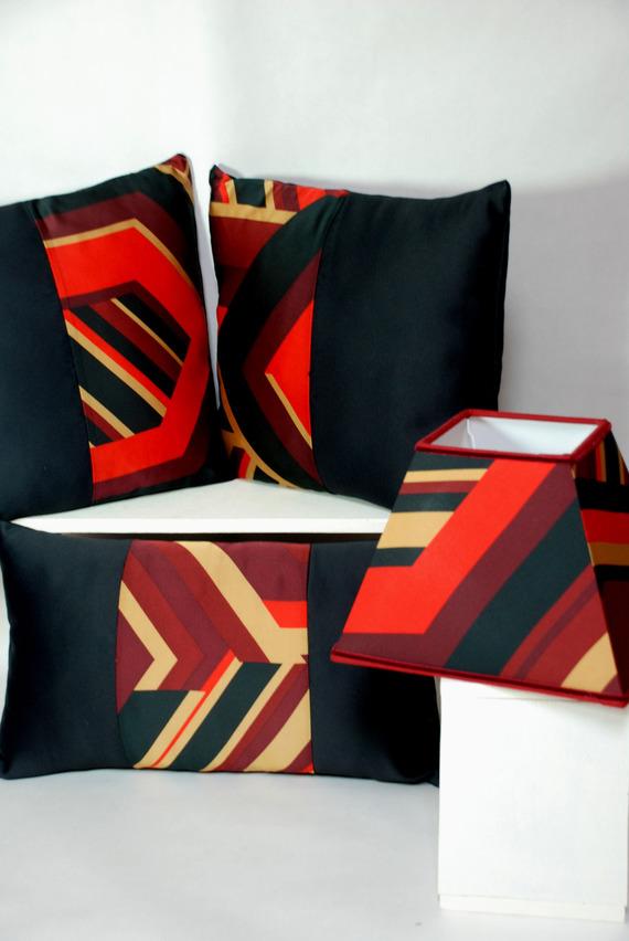 coussin carré 40x40cm  rouge et noir