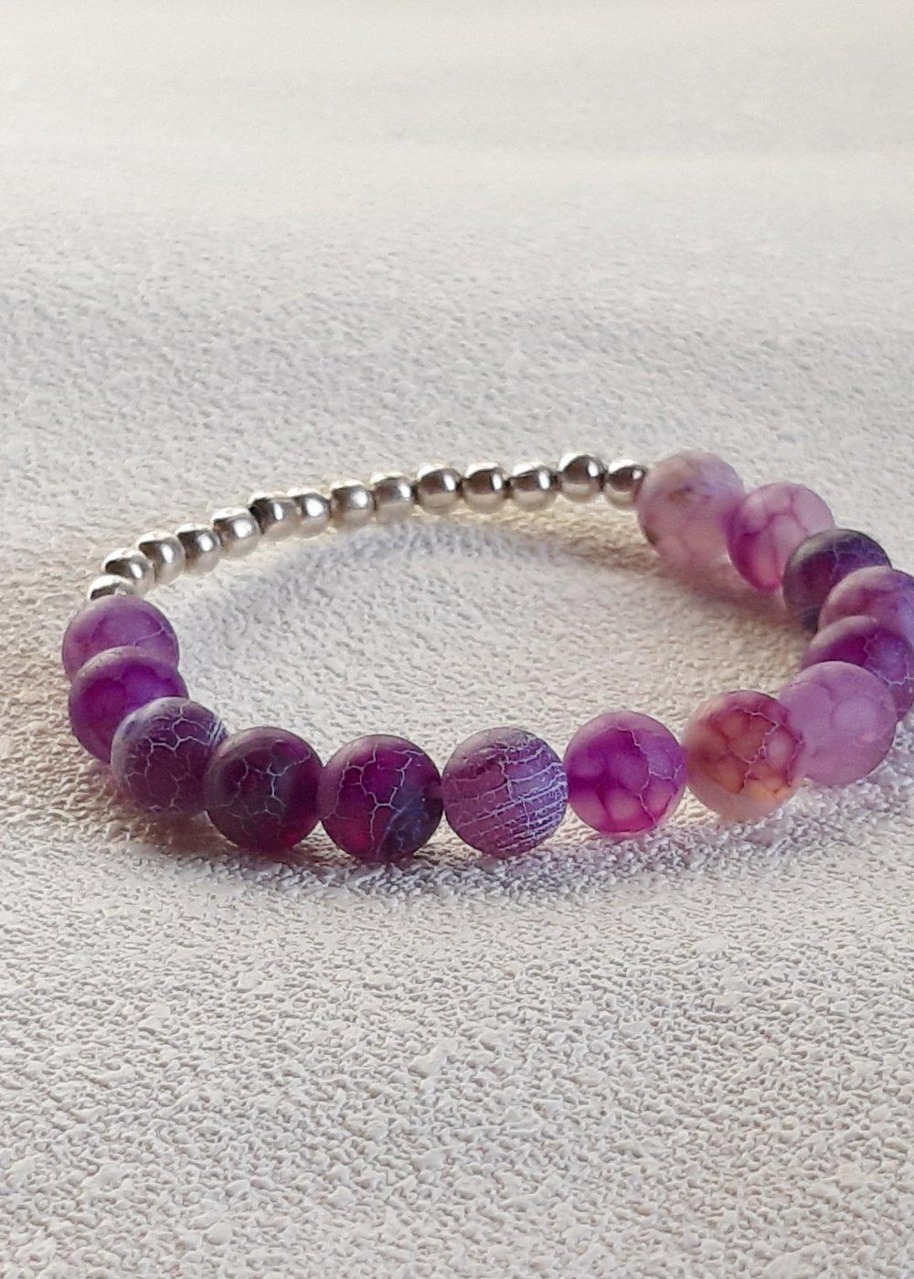 Bracelet élastique perles naturelles agates givrées craquelées violettes