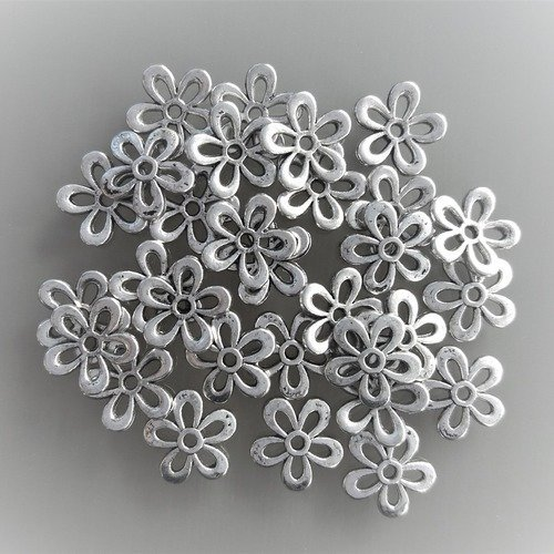 20 Coupelles Calottes Intercalaires Fleur 11mm x 3mm Métal argenté