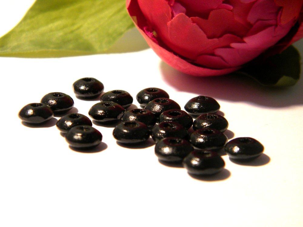 200 perles en bois  forme rondelle  - bois naturel peint et verni - perle 8 mm x 4 mm,  B210
