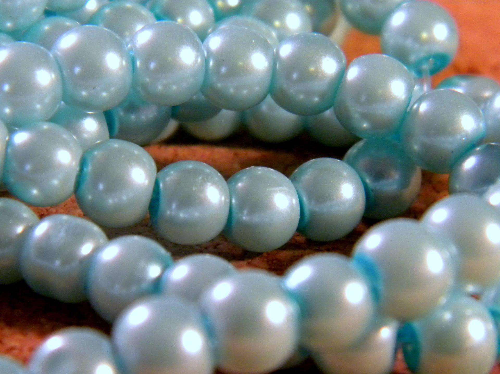150 perles verre nacre irisé 6 mm -bleu ciel-  PE 216