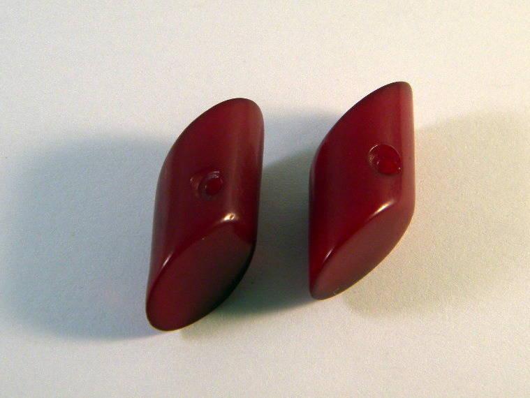 2 boutons vintage bordeaux plastique 26 mm Bo2