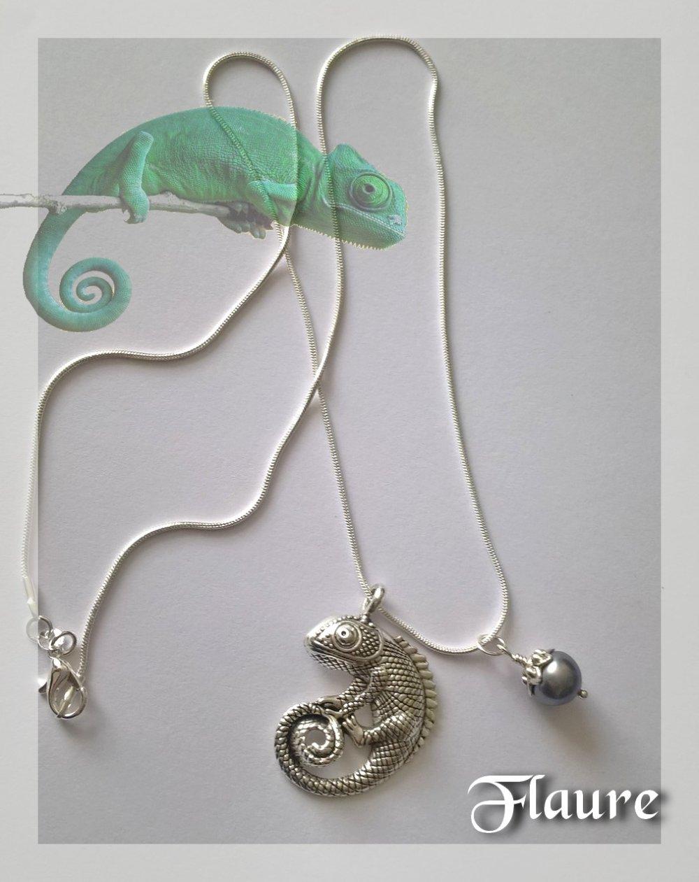 Collier caméléon et perle de culture