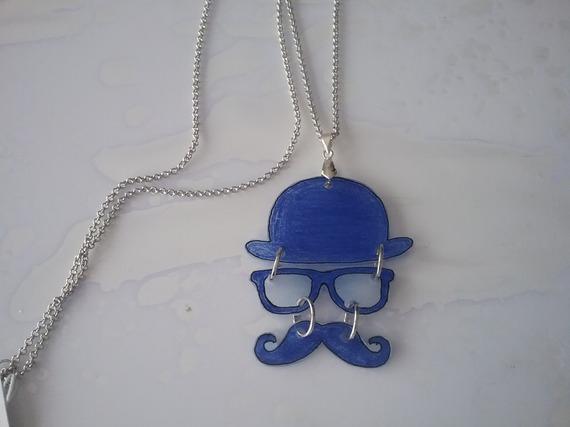 Collier sautoir en plastique dingue bleu