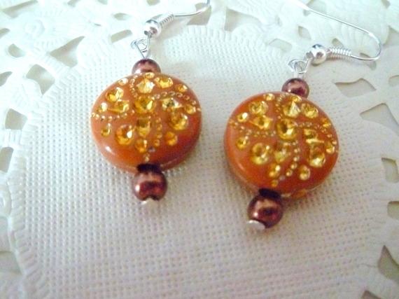 Boucles d'oreille  fantaisie perle marron et dorée et perle nacrée marron@laboutiquedenath