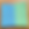 Couverture pour bébé en laine de couleur verte et bleu