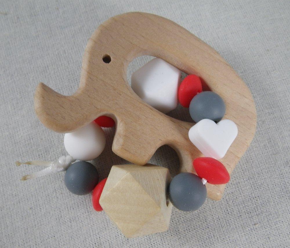 Hochet de dentition éléphant rouge et gris inspiration Montessori