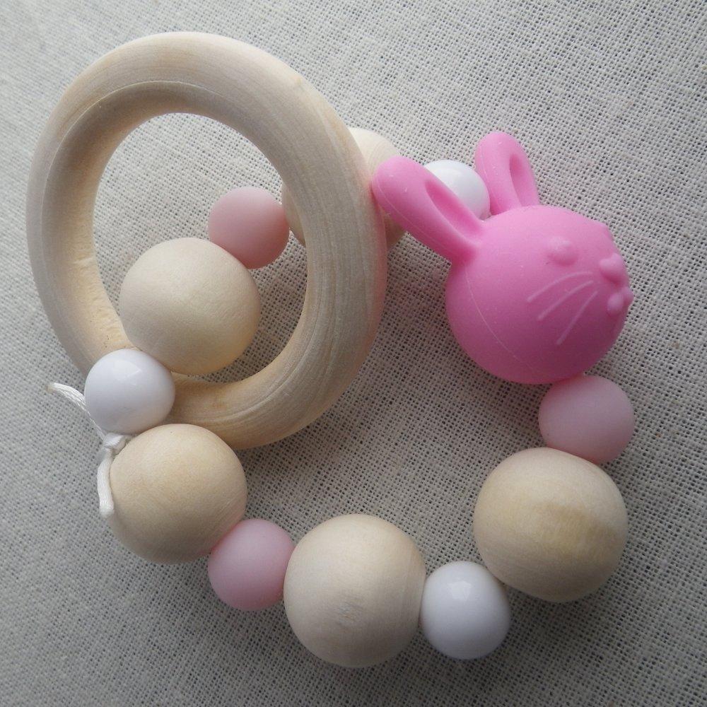 Hochet de dentition blanc et rose lapin inspiration Montessori