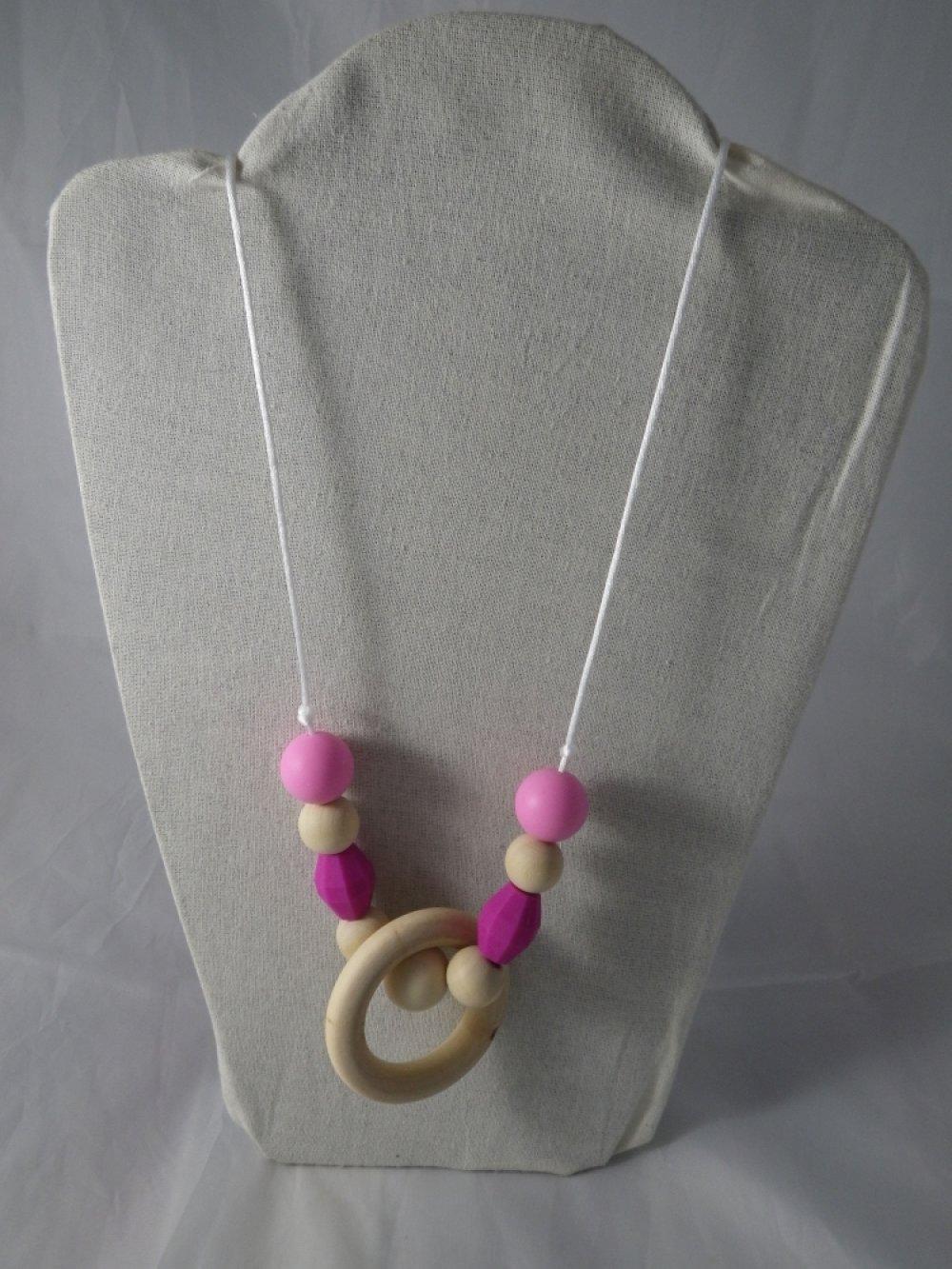 Collier de portage / allaitement rose