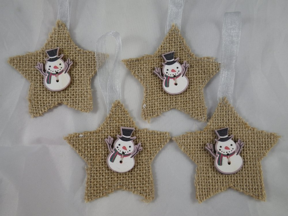 4 étoiles de Noël beige en jute et boutons bonhomme de neige