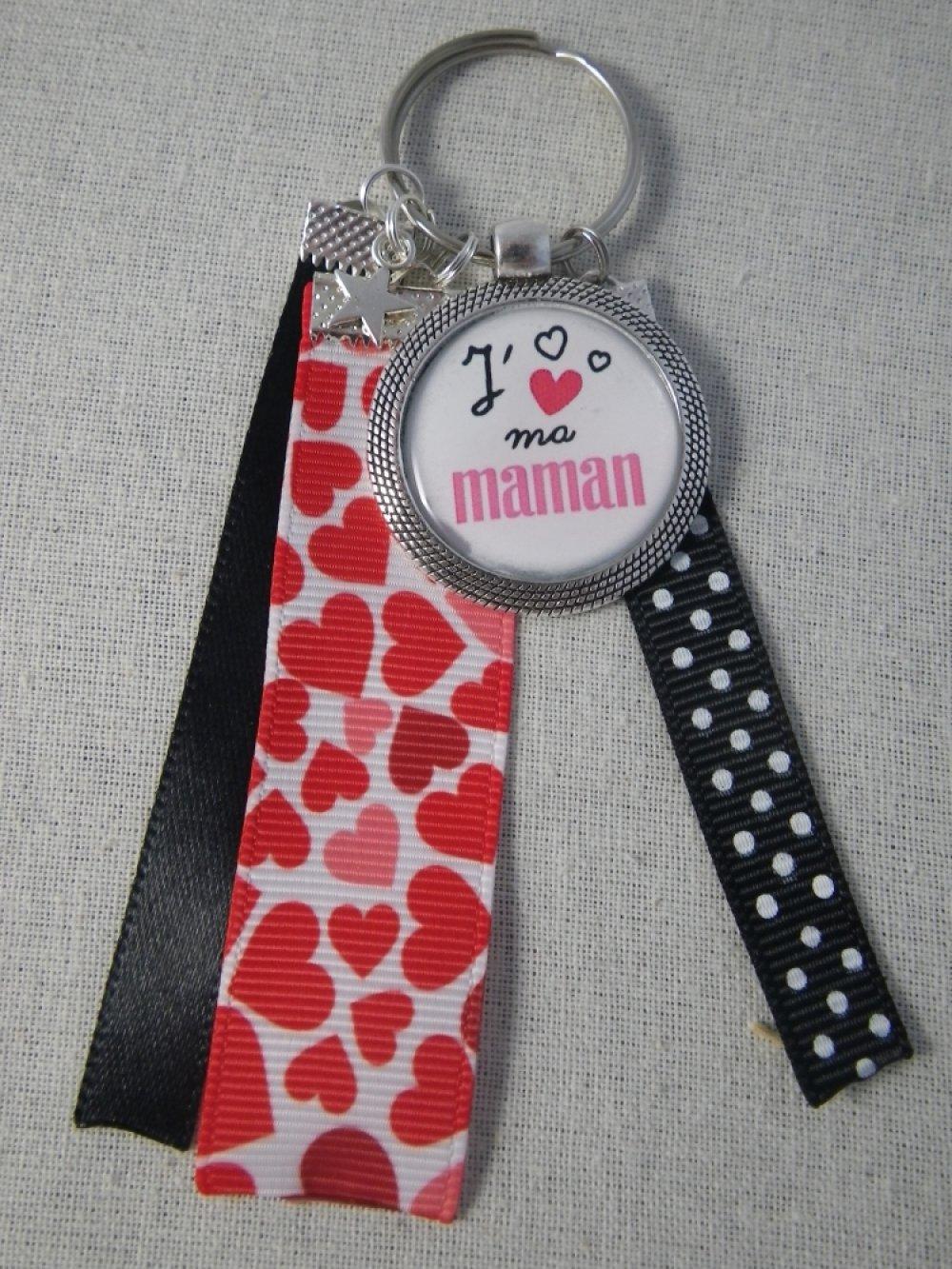 """Porte clés """"Je t'aime ma maman"""" noir et rouge"""