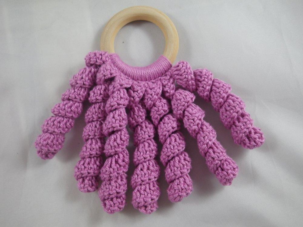 Hochet de dentition pieuvre rose bois et crochet