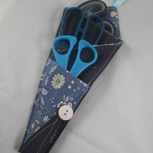 Etui pochette pour ciseaux bleue fleurie et noire