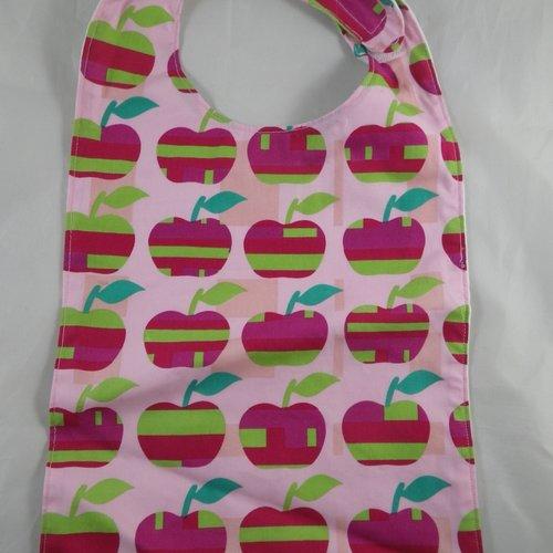 Bavoir en tissu motif pommes