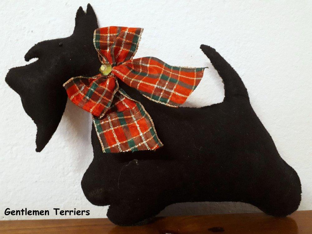 Grande figurine Scottish terrier en feutrine