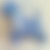 """""""le westie family"""". figurines 3 westies en feutrine bleu clair à suspendre."""