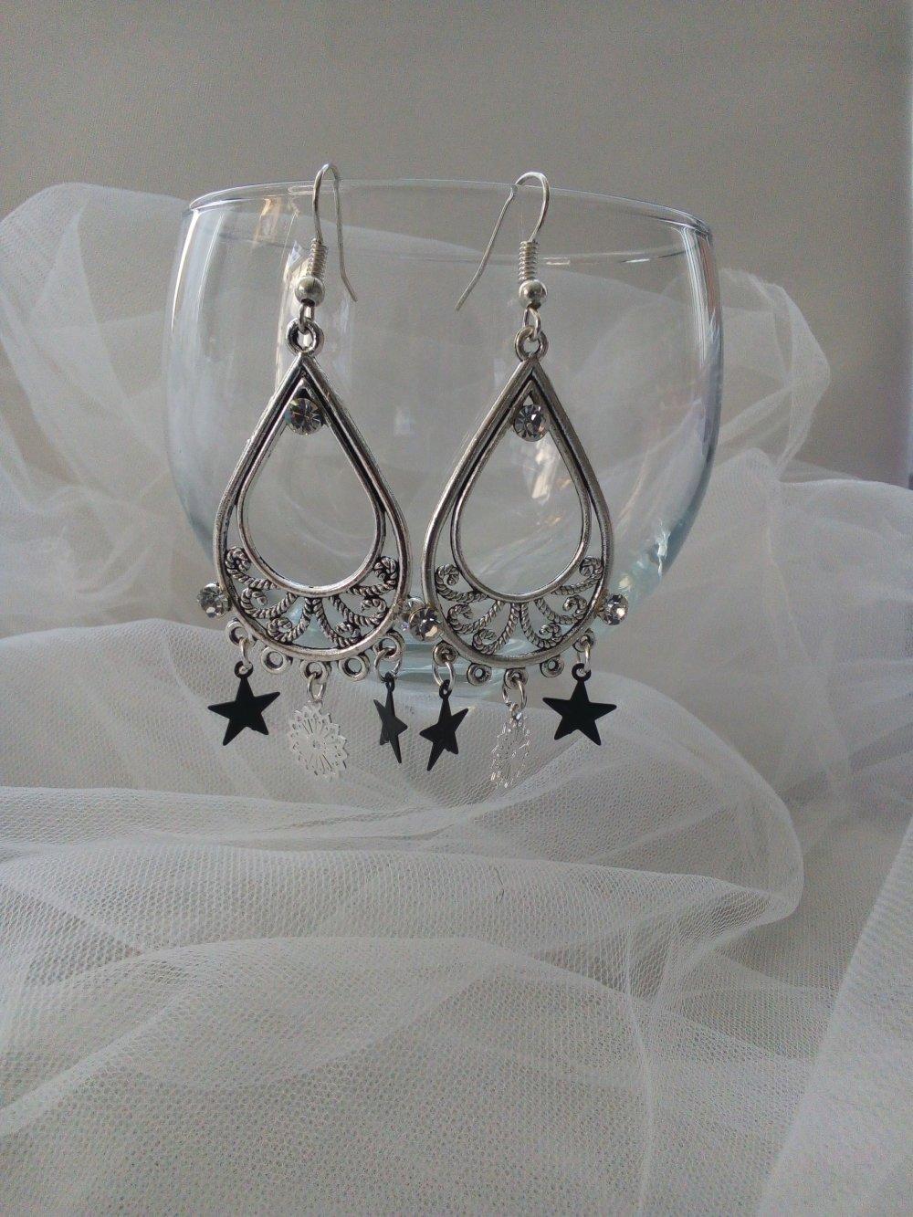 Boucles d'oreilles noir et argent avec strass pendantes