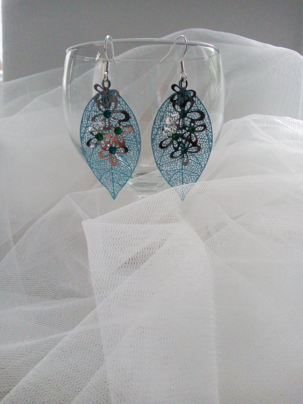 Boucles d'oreilles bleu pendantes