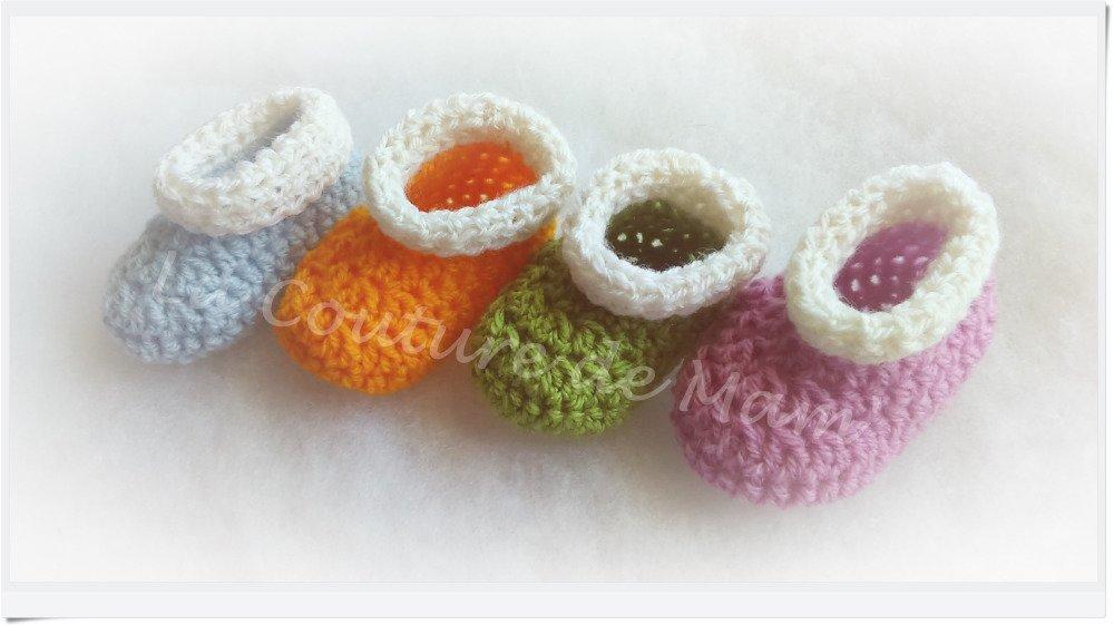 Chaussons au crochet mauve et blanc - T/0-3 mois