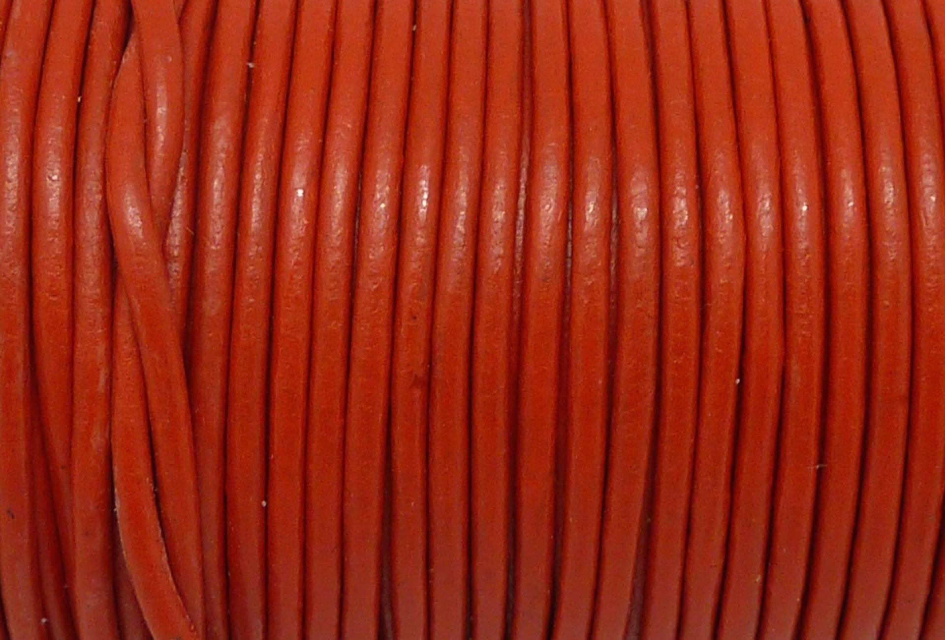 2m Cordon cuir rond 2mm de couleur rouge vif