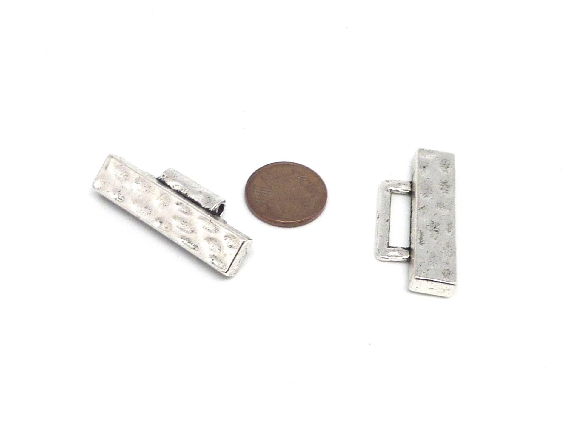 Fermoir manchette clip en métal argenté martelé largeur 3cm