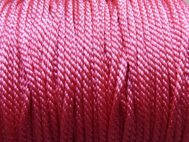1m Fil polyester de couleur rose 01 brillant 1mm