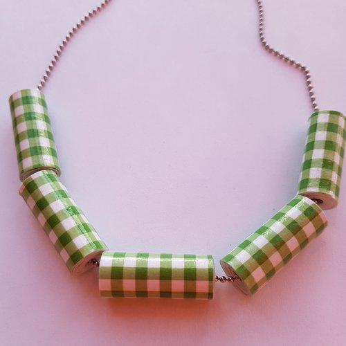 Collier perles en carton - vichy vert clair