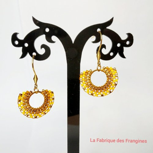 Boucles d'oreilles style aztèque tissées de perles miyuki de couleurs doré, jaune moutarde et jaune canari