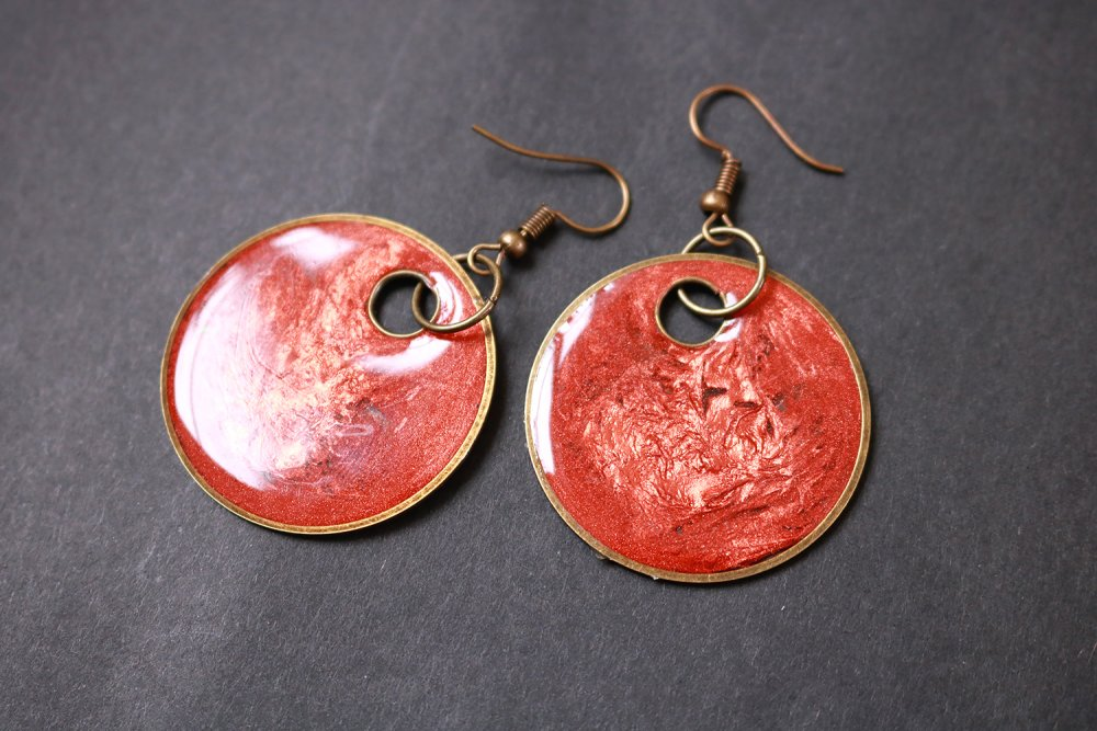 Boucles d'oreilles Ronde en résine (inclusion de colorant, cuivre, bohème, laiton), idée cadeau pour femme.