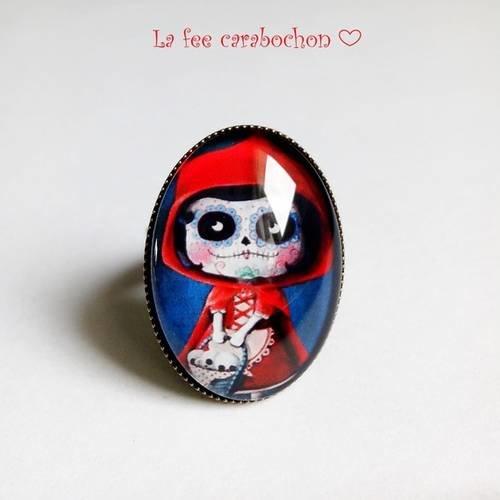 Bague ovale * petit chaperon rouge gothique * rouge bleu, cabochon verre