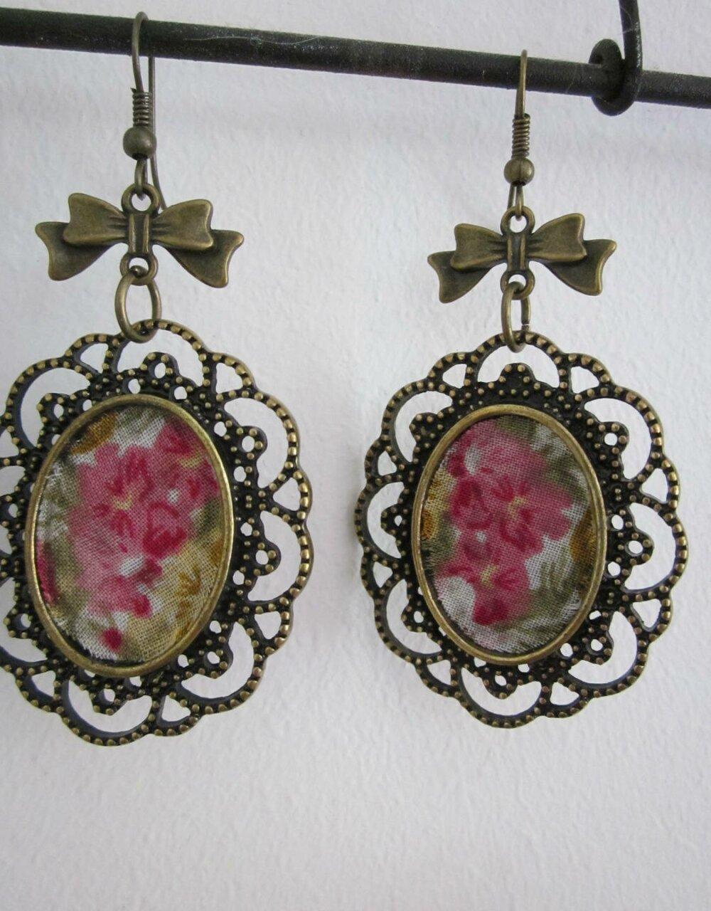 Boucles d'oreilles fantaisie pour femme médaillon ovale fleurs