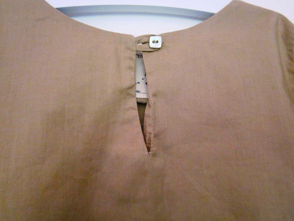 Chemise sable  manches longues pour garçon en 4 ans et 6 ans